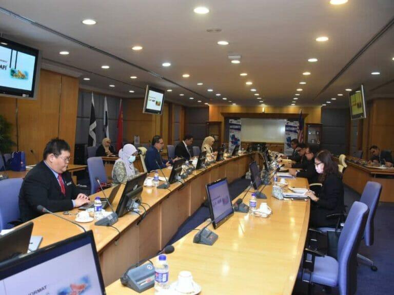 Kunjungan Hormat Pengerusi Jawatankuasa Pertanian, Industri Asas Tani dan Kemajuan Luar Bandar Negeri Johor dan delegasi ke atas Ketua Pengarah Perikanan Malaysia.