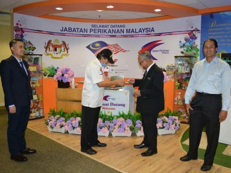 Majlis Penyerahan Tabung Rayuan Hari Pahlawan Tahun 2020 oleh Timbalan Ketua Pengarah Perikanan (Pembangunan), DOF kepada Ketua Cawangan Persatuan Veteran ATM, Putrajaya.