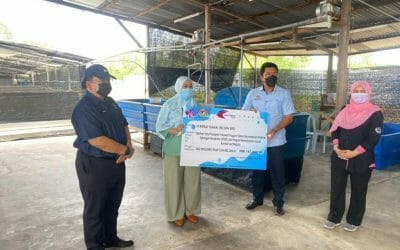 An allocation of RM147,000 is channeled to the Latok Livestock Project through the allocation of SPeKS Aquaculture Assistance and the National Seaweed Industry Empowerment Program
