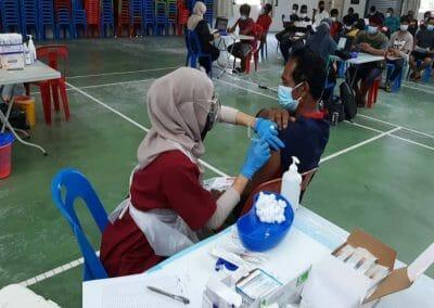 Program Vaksinasi Barisan Hadapan Industri Agromakanan (AIVAC), Jabatan Perikanan Malaysia di Dewan Chin Tai Kok Pantai Remis, Perak selama 2 hari iaitu pada 15 & 16 September 2021.