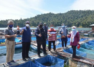 Lawatan Kerja Ketua Pengarah Perikanan Malaysia, Tuan Ahmad Tarmidzi bin Ramly AMK ke Ternakan Ikan Dalam Sangkar di Tasik Kenyir.