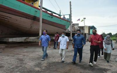 Working Visit of Deputy Secretary General (Development) Datuk Badrul Hisham Mohd, Ministry of Agriculture and Food Industry (MAFI) to Modern Fisheries Vessel Shipyard, Hutan Melintang, Perak.