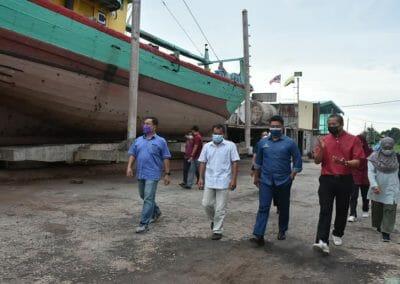 Lawatan Kerja Timbalan Ketua Setiausaha (Pembangunan) Datuk Badrul Hisham Mohd, Kementerian Pertanian dan Industri Makanan (MAFI) ke Shipyard Vesel Perikanan Moden, Hutan Melintang, Perak.