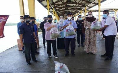 Visit of the Deputy Minister of Agriculture and Food Industry I, YB.  Datuk Seri Haji Ahmad bin Hamzah to Kota Tinggi district, Johor.